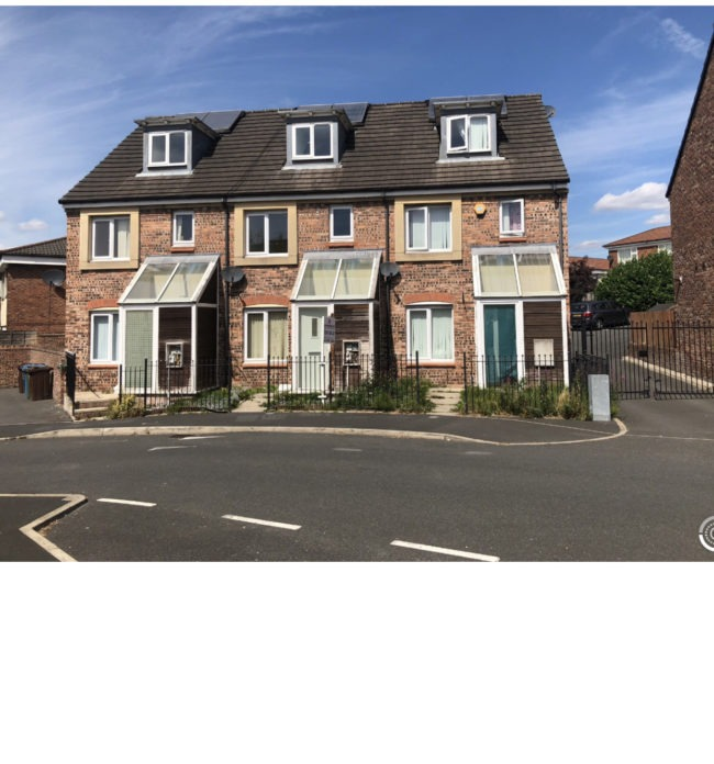 Four bedroom end terraced house to rent in Barmouth Walk M40